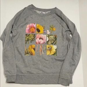 Doe floral sweatshirt size medium